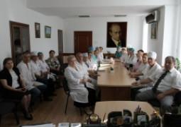 <p>На совещании у главного врача заместителей и заведующих отделениями</p>
